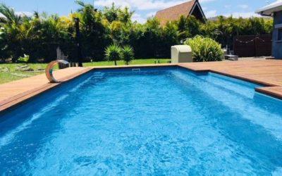 VILLA F6  avec piscine, en Bord de Canal – BAIE DE NAIA (Païta)