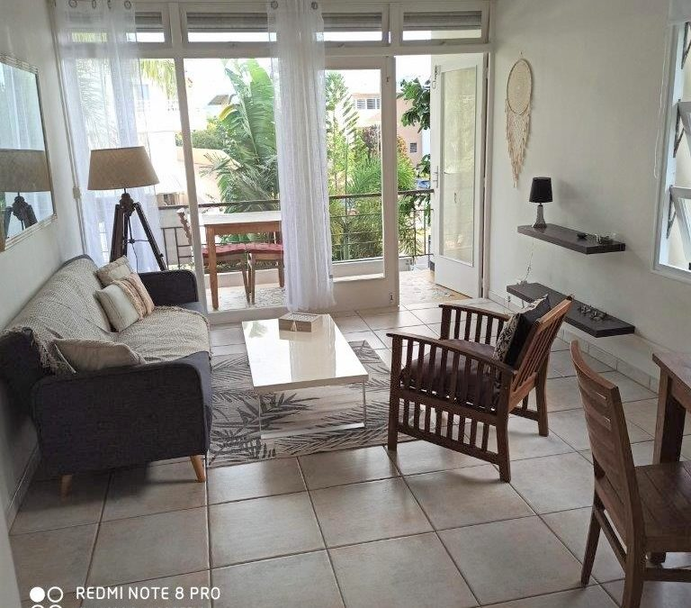 APPARTEMENT F3 MAGENTA OUEMO